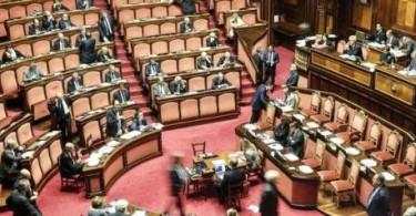 Un momento nell'aula del Senato durante il voto di fiducia su emendamento interamente sostitutivo del decreto legge sulla funzionalità del sistema scolastico, Roma, 12 Maggio 2016. ANSA/GIUSEPPE LAMI